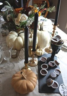black halloween details place setting 101 casual table - Halloween Place Settings