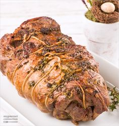 A tender, juicy boneless leg of lamb seasoned with a blend of olive oil, garlic, fresh parsley, thyme and rosemary.