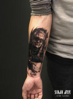 Ruhi Su.. ・・・ #dövme #dövme #dövmesanatı #istanbul #istanbuldövme #tattoo #tattooart #tattooartist #istanbultattoo #tattoos #tattooed #ink #inked #bodyart #bjk #portrait #bahçeşehirüniversitesi #yıldıztekniküniversitesi #instatattoo #artist #dövmemodelleri #portraittattoo #ruhisu #portre #art #tattoodesign #artist #black #çarşı #beşiktaş #sinanarık