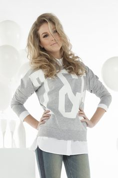 Tailor & Elbaz statement sweater shop je bij www.miss-p.nl