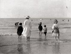"""turnofthecentury: """" Charles Delius, Bains de Mer, c.1910 """""""