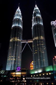 Travel tips and best eats in Malaysia. Budget Travel, Travel Tips, Volunteer Abroad, Continents, Empire State Building, Travel Pictures, Backpacking, Adventure Travel, Skyscraper