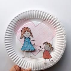 Mother's Day Love Craft Lovely idea to educate little ones about mother's day and teach them how much mother's love matters to them. Simple craft project for preschool and kindergarten kids to make for Mother's day. Mother's Day Love Craft Lovely … Mothers Day Crafts For Kids, Fathers Day Crafts, Paper Crafts For Kids, Crafts For Kids To Make, Fun Crafts, Children Crafts, Mothers Day Ideas, Art Children, Simple Crafts