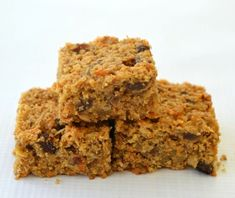 This Carrot Cake Muesli Slice recipe is inspired by my Mum& Classic Muesli Slice recipe which is a staple in our house. I decided to make Thermomix Desserts, Muesli Slice, Muesli Bars, Lunch Box Recipes, Snack Recipes, Lunchbox Ideas, Sweet Recipes, Cake Recipes