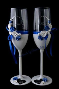 Royal blue and white wine glasses #wedding