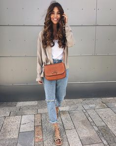 Love this outfit! Really simple and stylish, but quite casual and comfortable too. Spring Summer Fashion, Spring Outfits, Winter Fashion, Casual Outfits, Fashion Outfits, Fashion Tips, Women's Fashion, Feminine Fashion, Modest Fashion