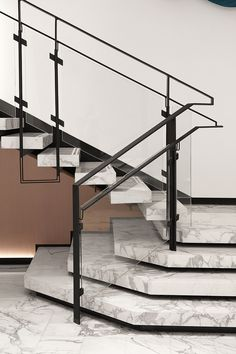 A marble staircase is beautiful and sturdy, makes an excellent first impression, and lasts for decades. Stairs are one of the busiest areas in your home. Painted Staircases, Staircase Handrail, Interior Staircase, Stair Railing, Railing Design, Staircase Design, Staircase Ideas, Marble Stairs, Escalier Design