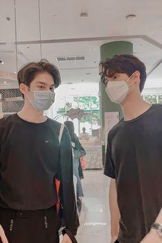 Pretty Boys, Cute Boys, Cute Boy Photo, Bright Wallpaper, Bright Pictures, Cute Asian Guys, Cute Gay Couples, Thai Drama, Boy Photos