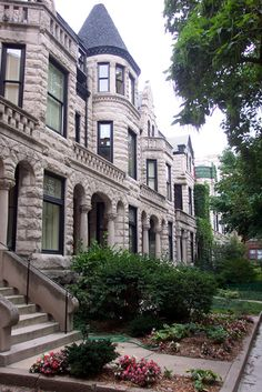Historic row house in Chicago Chicago House, Chicago City, Chicago Illinois, Evanston Chicago, Landscape Curbing, Chicago Neighborhoods, Historic Properties, Architectural Elements, Historic Homes