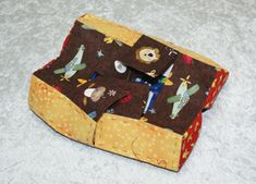 Forslag, Sewing Projects, Triangle, Quilting, Couture, Crafts, Box, Craft Work, Projects