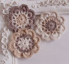 3 crochet flowers applique CH-041-07 by Anndesign2013 on Etsy