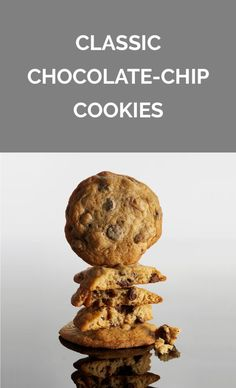 Classic Chocolate-Chip Cookies -- use real chocolate pieces Chocolate Chip Oatmeal, Chocolate Chip Cookies, Steak Dinner Sides, Cookie Recipes, Dessert Recipes, Delicious Desserts, Yummy Food, Cinnamon Roll Cookies, Summer Grilling Recipes