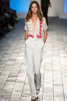Paul Smith Spring 2014 RTW. white on white. houndstooth. hot pink. loose pant. #PaulSmith #Spring2014 #LFW
