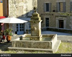 The fountain in the center of Gordes......