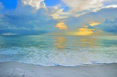 https://flic.kr/p/ea5dMT | Naples Florida Beach | A photo I shot back in Summer 2010 as the sun was setting in Naples, Florida. http://Beach.Camera