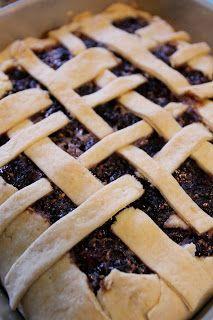Bossy Italian Wife : Around The Mulberry Bush [Mulberry Pie Recipe!]
