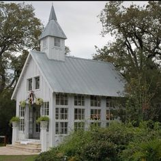 THE chapel. Lodge Wedding, Chapel Wedding, Rustic Wedding, Wedding Venues, Chapel In The Woods, Abandoned Churches, Old Churches, Old Country Churches, Church Architecture