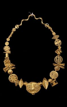 Gold necklace from the Akan people, circa Africa Ethnic Jewelry, African Jewelry, Modern Jewelry, Jewelry Art, Gold Jewelry, Jewelery, Fine Jewelry, Jewelry Design, Gold Necklace