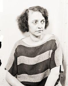 Belva Gaertner (née Boosinger I884 - I965) était une femme qui a été acquittée du meurtre dans un procès de I924. *** Elle a inspiré le personnage fictif Velma Kelly / Velma Wall dans la pièce Chicago créée par Maurine Dallas Watkins ; Watkins a rapporté sur le procès pour le Chicago Tribune . Le personnage apparaît également dans la comédie musicale basée sur la pièce.