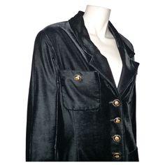 DEPOT VENTE LUXE CHANEL VESTE LONGUE EN VELOURS NOIR - On sale eshop luxe  www.tendanceshopping.com 5f54d575417
