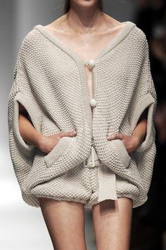 Cocoon Cardigan - runway knitwear; close up fashion details // Veronique Leroy