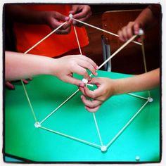 Laboratorio figure geometriche: alla scoperta dei solidi con gli scheletrati. Classe prima