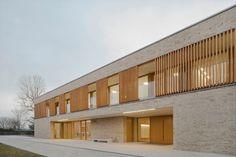 Peter's. Architecture Panel, Minimalist Architecture, School Architecture, Kirchen Design, Wood Facade, Big Building, Student House, Family House Plans, Clinic Design