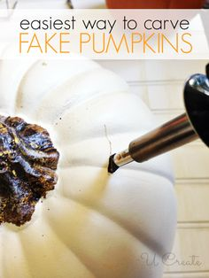 Easiest way to carve fake pumpkins! (and make a pumpkin vase) Easy Pumpkin Carving, Pumpkin Vase, Pumpkin Centerpieces, Pumpkin Crafts, Harvest Crafts, Pumpkin Head, Fall Crafts, Halloween 2018, Diy Halloween