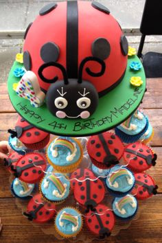 Mummy ladybird and her babies Random Pinterest Birthday cakes