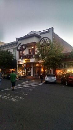 Alex's Ashland, Oregon on the Plaza 8/1/2014  by Susan Lanning