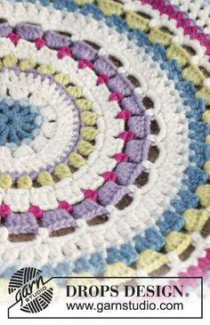 "Crochet DROPS carpet with stripe pattern in 2 strands ""Eskimo"". ~ DROPS Design"