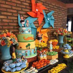 Baby Boy Birthday, Boy Birthday Parties, Happy Birthday, Simple Birthday Decorations, Baby Party, Pinwheels, First Birthdays, Party Time, Planter Pots