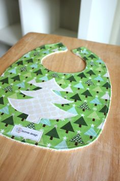 Christmas Trees : Plastic Lined Bib. -- for the Christmas babies! christmas, bibs, christmas bib