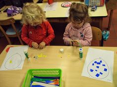 1ste kleuterklas B: Thema: Ballen en ballonnen Triangle, School