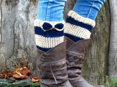 Free Crochet Boot Cuff Pattern | Boot Cuffs with bow. Short Leg Warmers. Crochet Boot Cuffs. Bow boot ...
