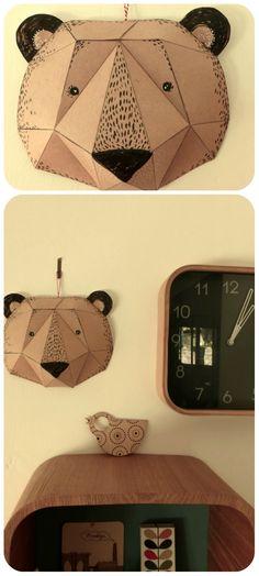 une tête d'ours en papier cartonné que j'ai fabriquée pour Milo (= le mini croûton de ma copine Chrystel)  et en...