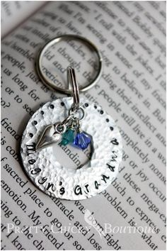 Hammered Washer, personalized key chain! Check out the Pretty Chicky Boutique for all your personalized gifts! http://www.facebook.com/PrettyChickyBoutique #metal Stamped jewelry #stampedjewelry