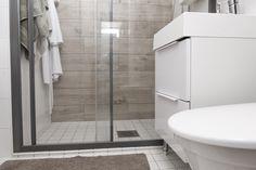 House2 Ovimalli Fino valkoinen kiiltävä. Allas Ulappa Alcove, Bathtub, Bathroom, Standing Bath, Washroom, Bathtubs, Bath Tube, Full Bath, Bath