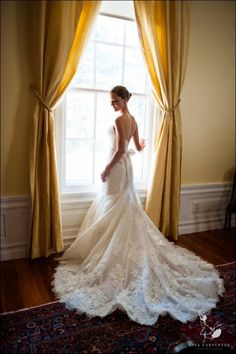 loove the details in this dress! and how it flows, and the open back and the bow!! <3