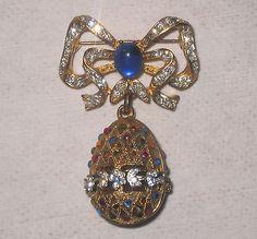 Vintage Rare Craft (Gem Craft / Gene Verri) Rhinestone Dangling Ornament Pin