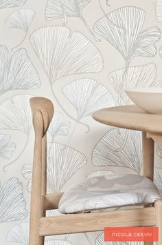 Ginkgo Natural Wallpaper and Fabric, Tony Parker dining table and chair www.nicolacerini.com