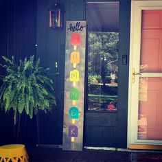 Summer Porch, Labradors, Hello Summer, Diy Signs, Door Hangers, Arts And Crafts, Cricut, Wreaths, Crafty