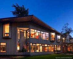 Contractor: Kistler & Knapp Builders; Architect: Epstein Joslin Architects; Landscape: Stephen Stimson Associates; Furnishings: Andra Birkerts Design