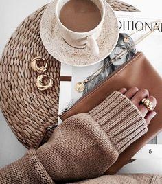 ♡ Fashion is my passion ♡ on We Heart It aesthetic flatlay ♡ Fashion is my passion ♡ on We Heart It Easy Style, Fashion Fotografie, Estilo Blogger, Beige Aesthetic, Aesthetic Coffee, Aesthetic Style, Aesthetic Outfit, Aesthetic Photo, Jewelry Photography