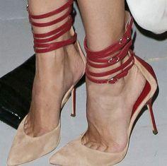 Shoespie Sexy Halter Pointed Toe Stilletto Heels