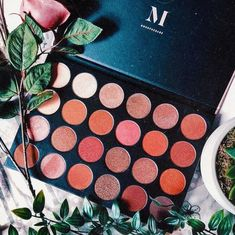 How amazing is this giant morphe 24g eyeshadow palette! So many amazing shades and colors for all these different types of makeup looks! So much creativity and tutorials you can do!
