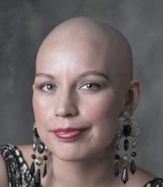 Bald Girl, Bald Women, Close Shave, Shaving Razor, Bald Heads, Shaved Head, Androgynous, Smooth, Hair Beauty