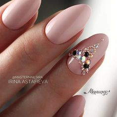 Fresh And Trendy Ways To Match Your Prom Nails Colors With Your Dress Fresh And Trendy Ways To Match Your Prom Nails Colors With Your Dress: Nail Colors For Red Prom Dress Swarovski Nails, Crystal Nails, Rhinestone Nails, Bling Nails, Nail Designs Bling, Nail Art Designs, Nagel Bling, Wedding Nails Design, Bridal Nails