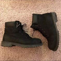 Black timbs Reposhing black timbs. Boys size 5.5. In perfect condition  Timberland Shoes Ankle Boots   Booties  bc1f324ffd7c