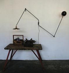 Wo and We swing arm lamp